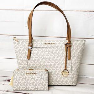 NWT 2PCS Michael Kors White Ciara purse & wristlet